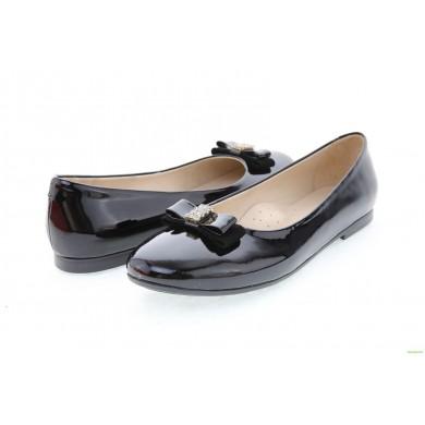 Детски обувки от естествен лак