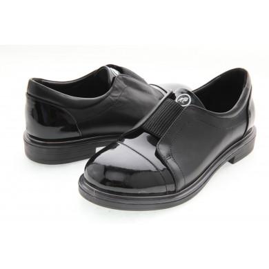 Детски обувки от естествена кожа и лак